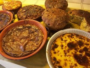 Torta di riso dolce, torta putta e pasimate sullo sfondo
