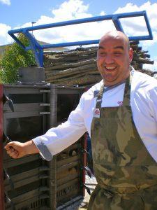 Gionata Rossi e il forno a legna di parisi