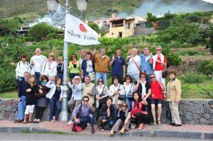 foto ricordo dell'incontro della rete a Salina, giugno 2011