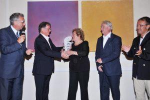 Romano Franceschini premia Bona Pardini