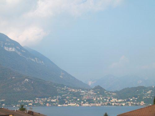 lago di Como dal treno