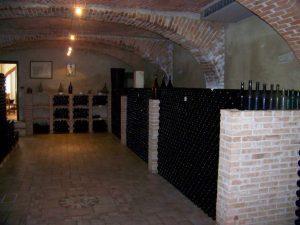 Elvio Cogno_ bottiglie in stoccaggio