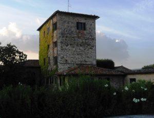 Castell'in Villa_Cassero
