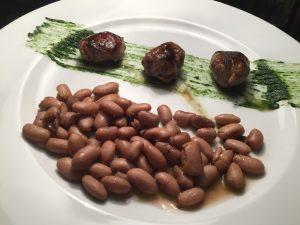 bocconi-di-manzo-del-conti-al-cumino-fagiolo-giallorino-croccante-salsa-dortica