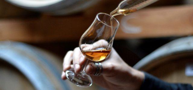puni-tasting-whiskey-2