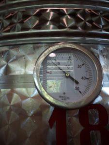 Manometro dell'autoclave, segna la pressione all'interno del fusto