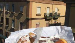 On the road again/1. Mozzarelle di bufala e sfogliatelle calde,…