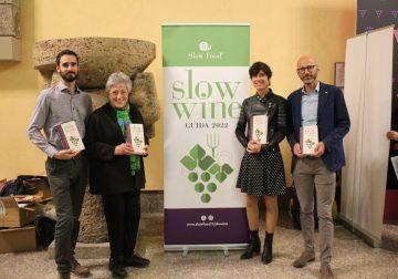 Slow Wine 2022: «La guida che ha rivoluzionato il mondo del vino»